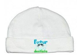 Bonnet de bébé futur dentiste souriant