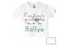 Tee-shirt de bébé futur pilote de rallye au volant