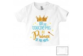 Tee-shirt de bébé on ne touche pas au prince de ma mamie