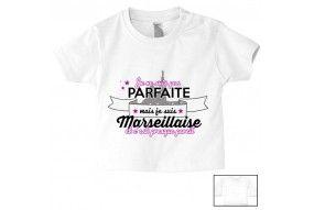 Tee-shirt de bébé je ne suis pas parfait mais je suis Marseillaise et c'est presque pareil